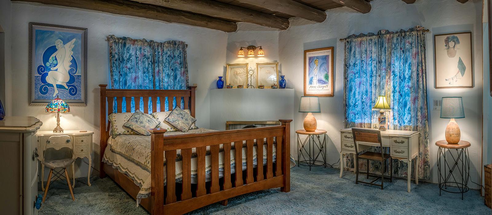 1600x700-housing-blueroom-left