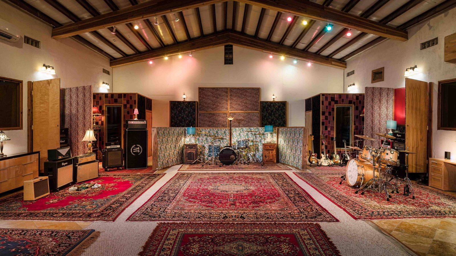 Studio Neve - Tracking Room from center