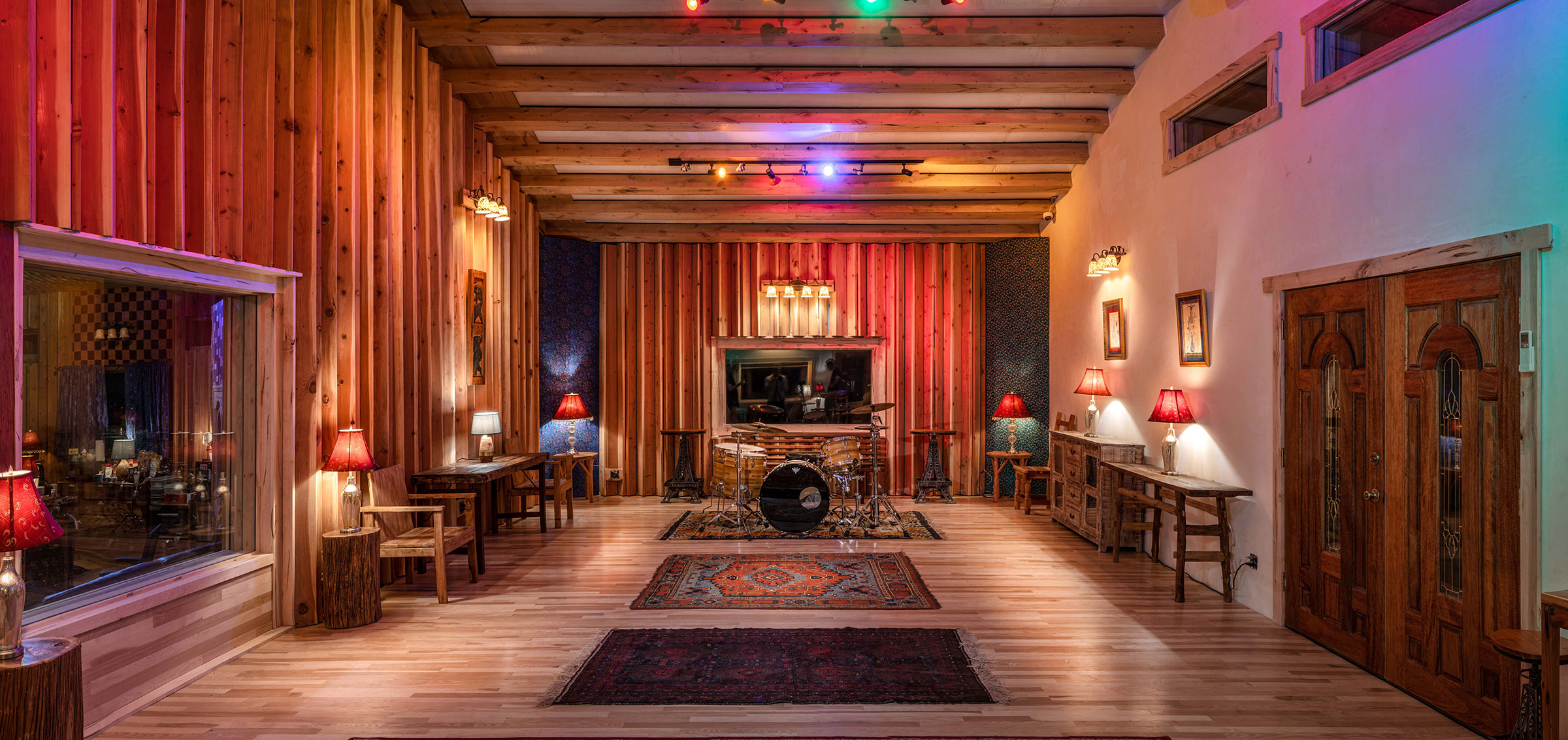Neve Top Room locking from the left